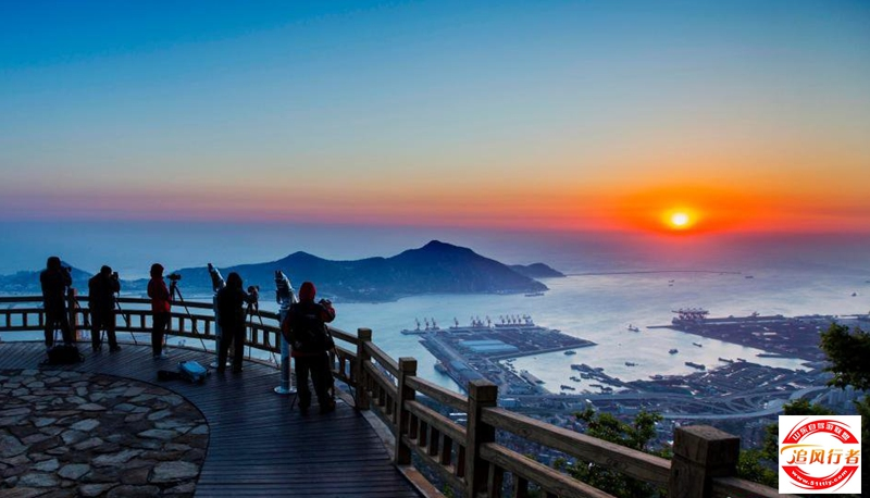 【游览景区】桃花涧 海上云台山 连岛 花果山 【活动主题】登山观海